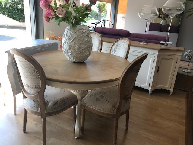 tavolo e sedie dialma brown esposizione centro mobili guidonia pratesi roma